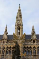 Das Wiener Rathaus im Advent mit Christkindlmarkt