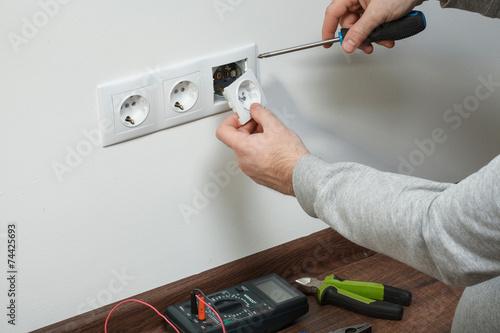 Leinwanddruck Bild Electrical installation