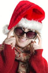 Lachende Nikolaus Frau mit Sonnenbrille