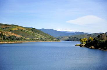 Embalse de Valdeobispo, provincia de Cáceres, España