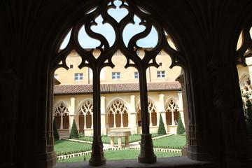 Détail cloître-Abbaye de Cadouin-Périgord
