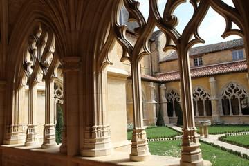 Cadouin-détail du cloître de l'abbaye