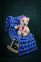 Artistic compositions with knitted animals. Bears knit.