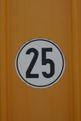 speed limit sign 25