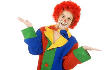 Clown lacht und präsentiert