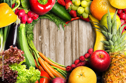 Fotobehang Keuken Vegetables and Fruit Heart Shaped