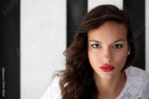 canvas print picture Ritratto di giovane ragazza in esterni
