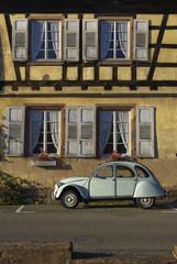 """Fachwerkhaus mit """"Ente"""" in Wissembourg, Frankreich"""