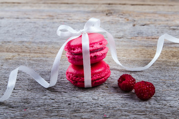 Macaroons with berries