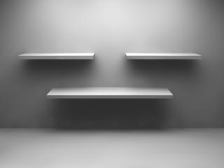 3 Regale auf weisser Wand