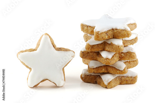 Tuinposter Koekjes cinnamon stars, christmas cookies isolated on white background