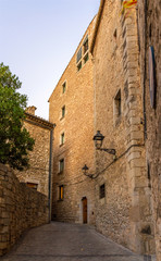 Narrow street on the way to the Cathedral of Saint Mary of Giron