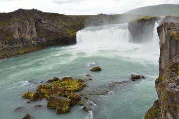 Исландия, водопад Гудафосс или Годафосс