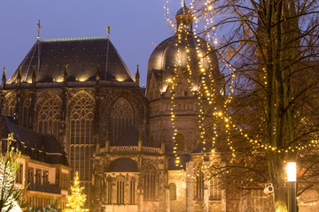 aachener dom at night with christmas market
