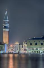 Venedig Markusplatz Dogenpalast Campanile Nacht