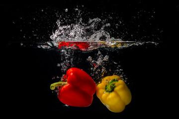 Paprika unter Wasser