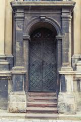 old entrance door14