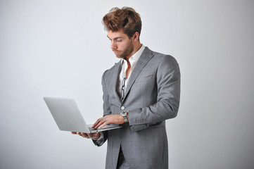 Uomo d'affari con il PC