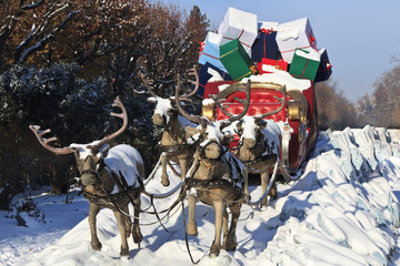 carriage with reindeer