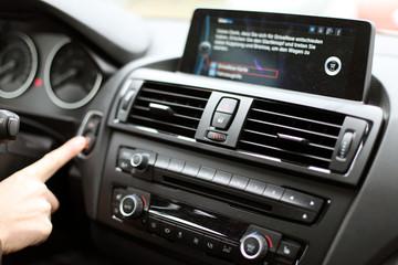 Bedienung der Fahrzeugssysteme
