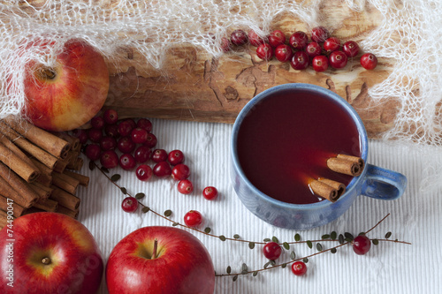 Cranberry apple drink - 74490047