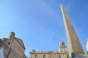 Obélisque d'Arles, place de la République