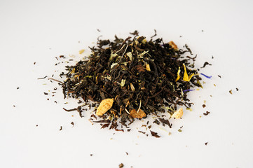dried tea leaves with aromatic additives