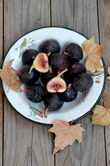 Figs on a plate
