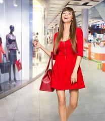 Fashion Shopping Girl Portrait. Beauty Woman with Shopping. Shop