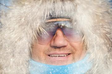 Человек в снегу.