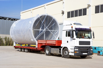 Shipping, air cooling channel on truck.