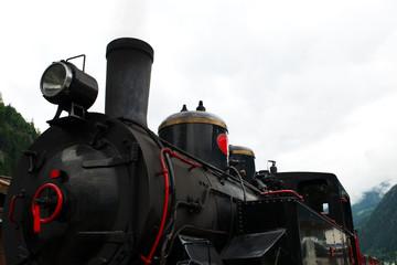 Zillertalbahn in den Alpen - Österreich