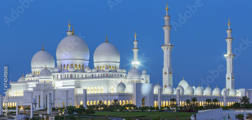 Zdjęcia na płótnie, fototapety, obrazy : Panoramic view of Abu Dhabi Sheikh Zayed Mosque by night