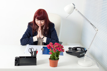 happy business woman reads a report