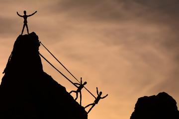 ipli tırmanış başarısı&beraberlik