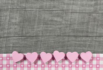 Rosarote Herzen zum Valentinstag, Geburt: Grußkarte rosa