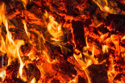In de dag Vuur / Vlam Embers from wood pallets