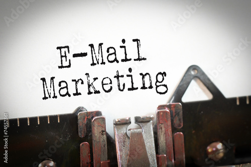 E-Mail-Marketing - 74557861
