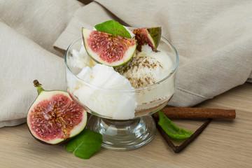 Ice cream with fig