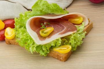 Sandwich with hamon
