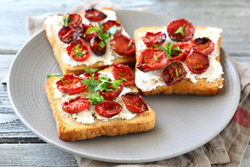 Bruschetta with sun-dried tomatoes and cheese