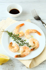 Delicious shrimp with thyme and soy sauce