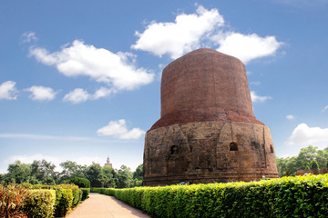 Dhamekh Stupa in Sarnath, Varanasi, India. The place where Buddh