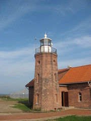 Старый кирпичный маяк Вентес Рагас в Литве