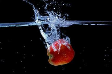 Manzana al agua