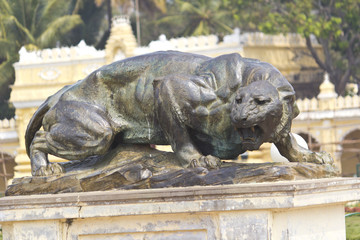 Sculpture of lioness