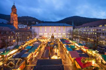 Heidelberger Weihnachtsmarkt auf dem Universitätsplatz