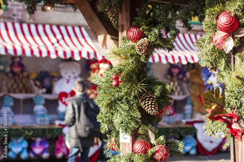 Keuken foto achterwand Boodschappen Christmas market with decorations in London
