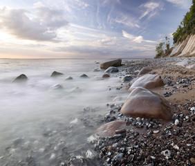 Plaża pod klifem na Rugii
