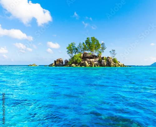 Fotobehang Eilanden Lagoon Corals Scene